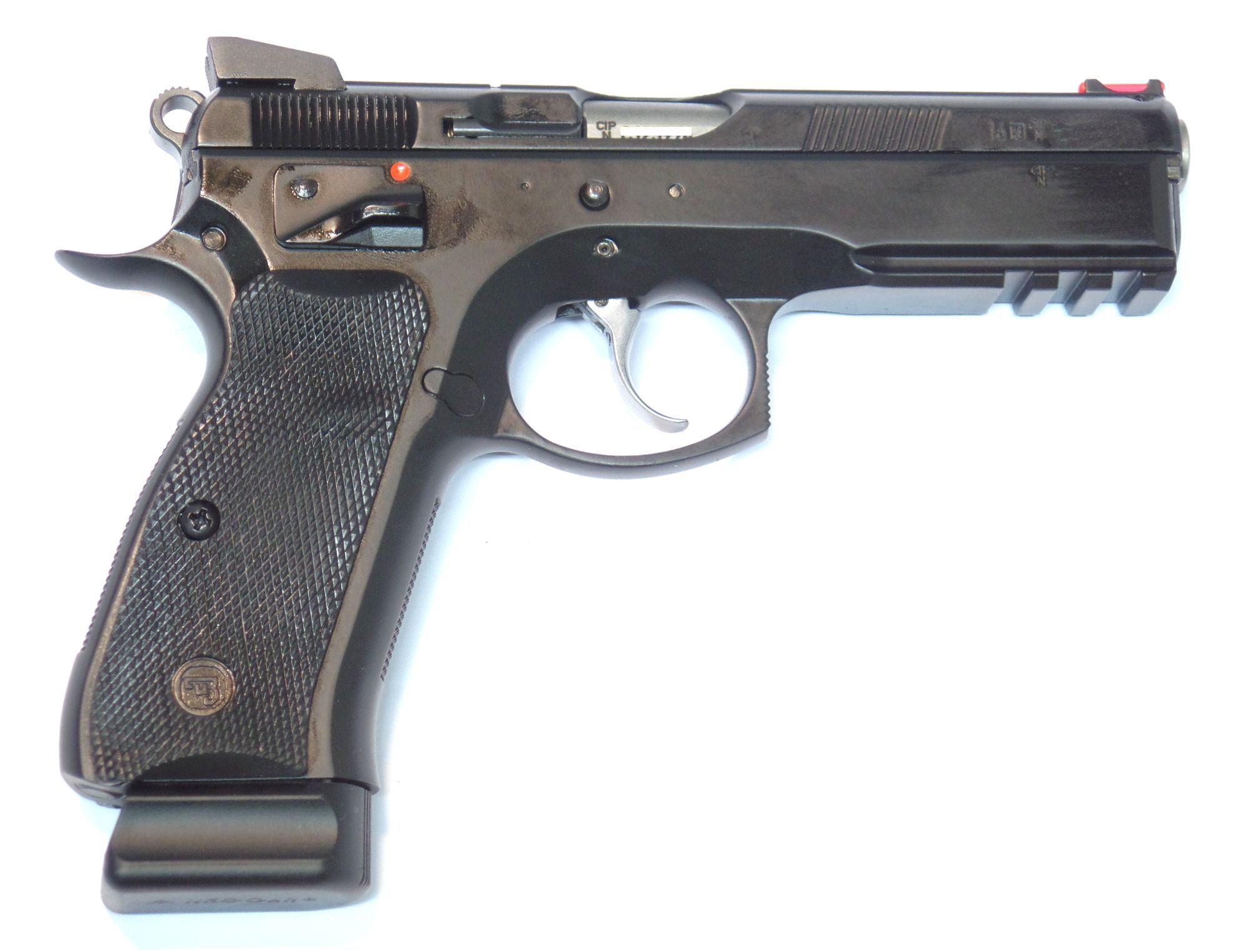 CZ75 Shadow SP01 calibre 9para