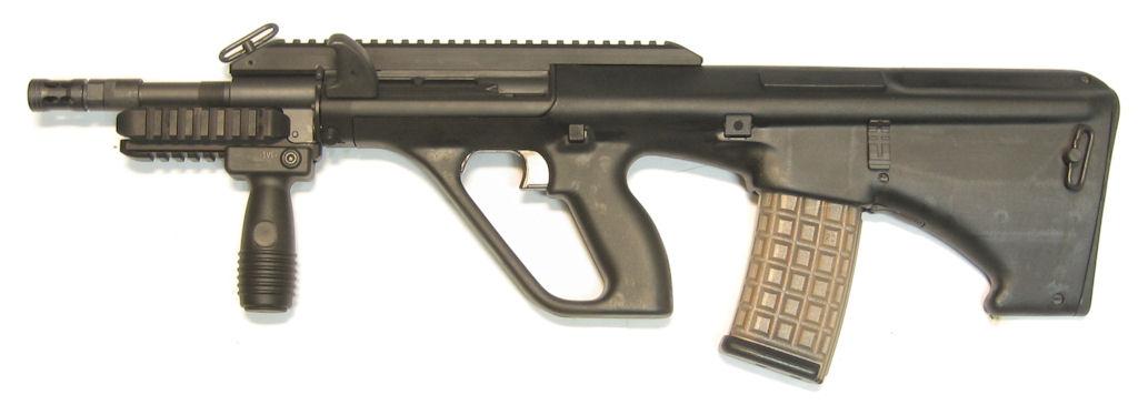 STEYR AUG A3 calibre 5.56x45