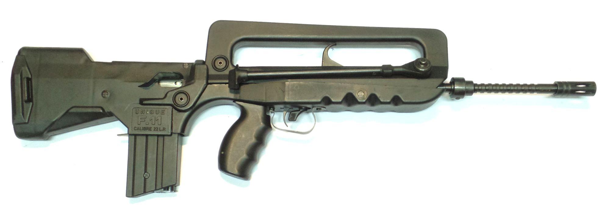 Unique F11 (Famas) calibre 22LR