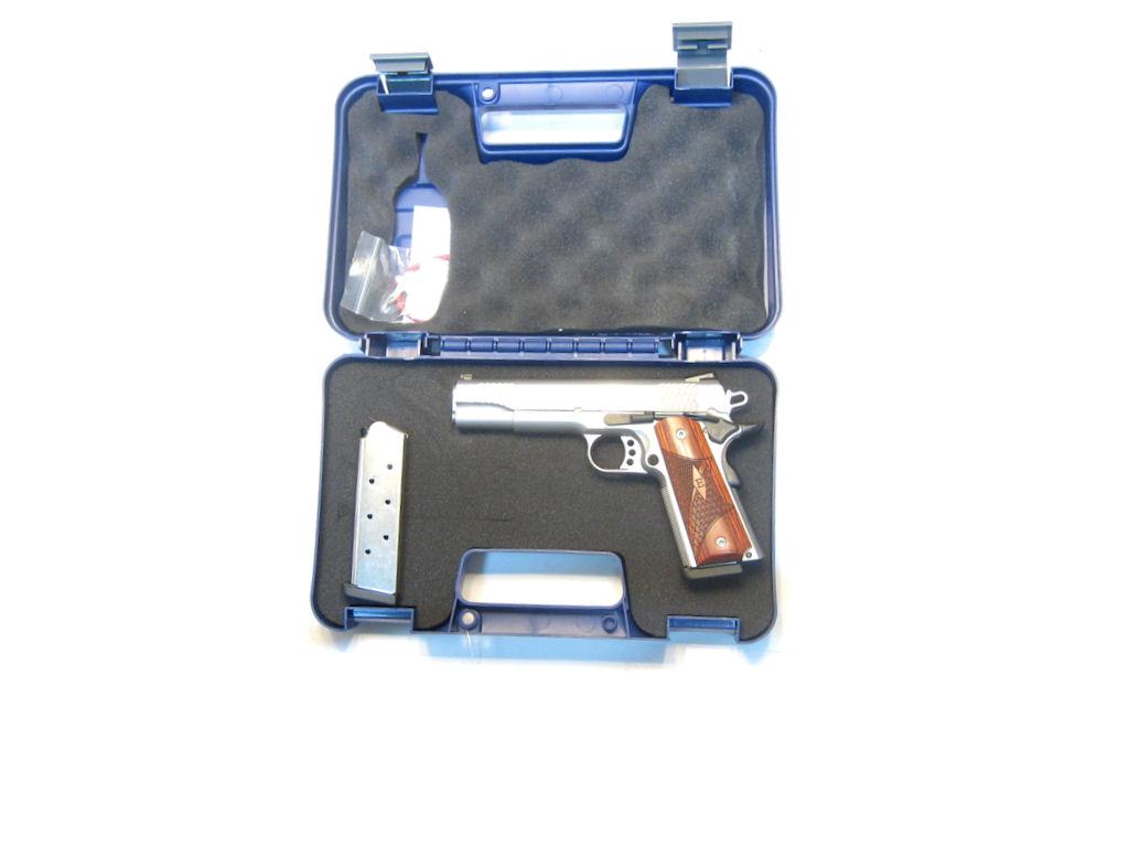 Smith & Wesson - 1911 E Series calibre .45ACP